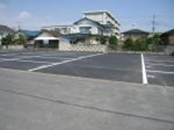 粉名口 駐車場2