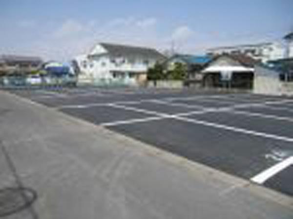 粉名口 駐車場3