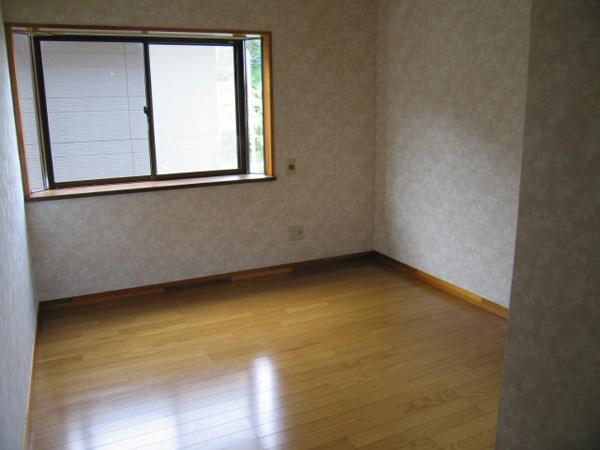 サンハイツ村田 102号二階洋室